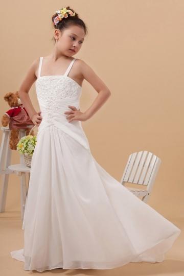 Elegantes bodenlanges weißes Kleider mit Spaghettiträger aus Chiffon