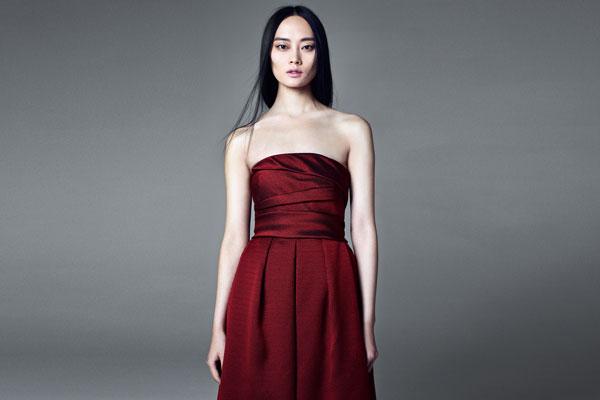 Sexy rotes träferloses Kleider bei Maxmara