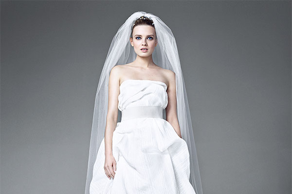 Elegantes langes weißes Abendkleider bei Maxmara