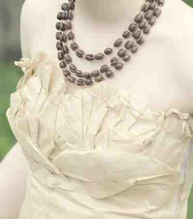 Aimee Kick entworfen und hergestellt ihren eigenen Prom Dress aus Kaffeefilter