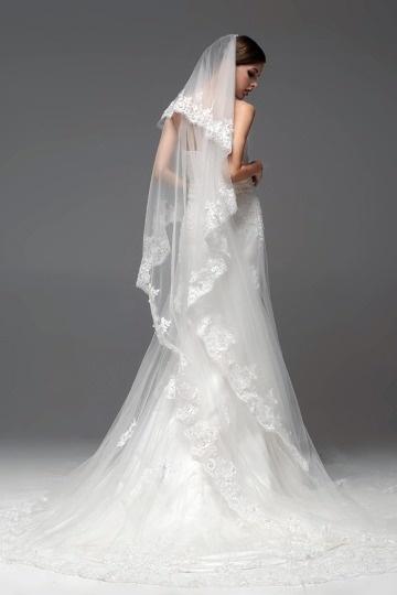 Weißes bodenlanges schönes Brautkleider günstig Online