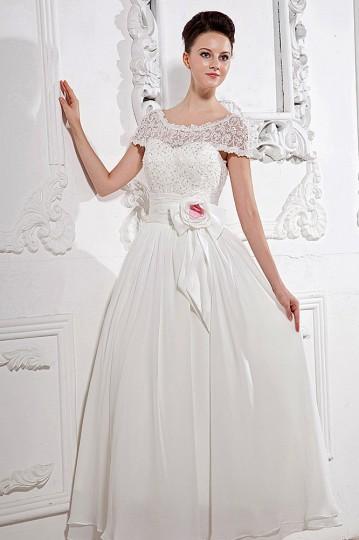 Langes weißes Abendkleider