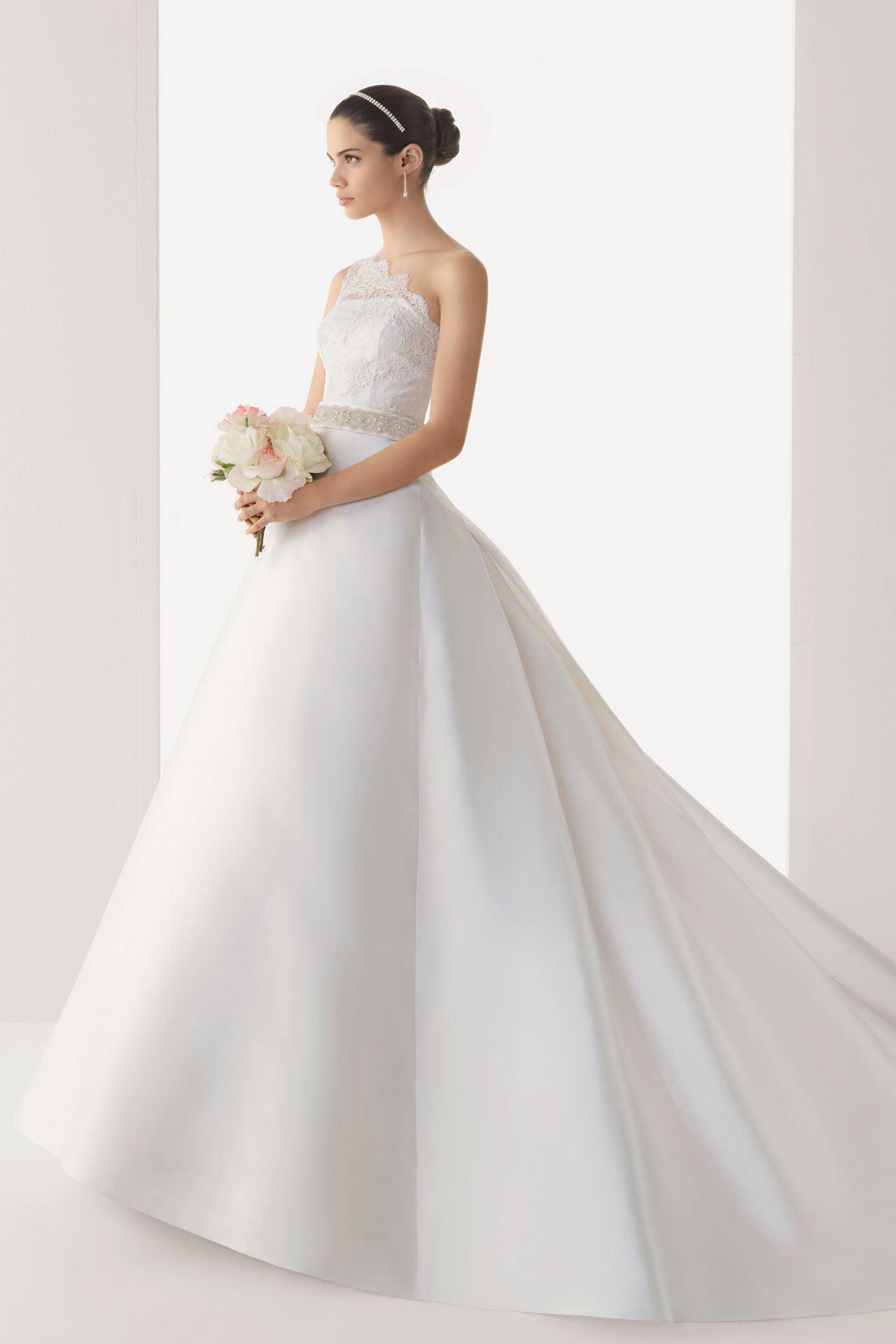 Langes weißes schönes Brautkleider