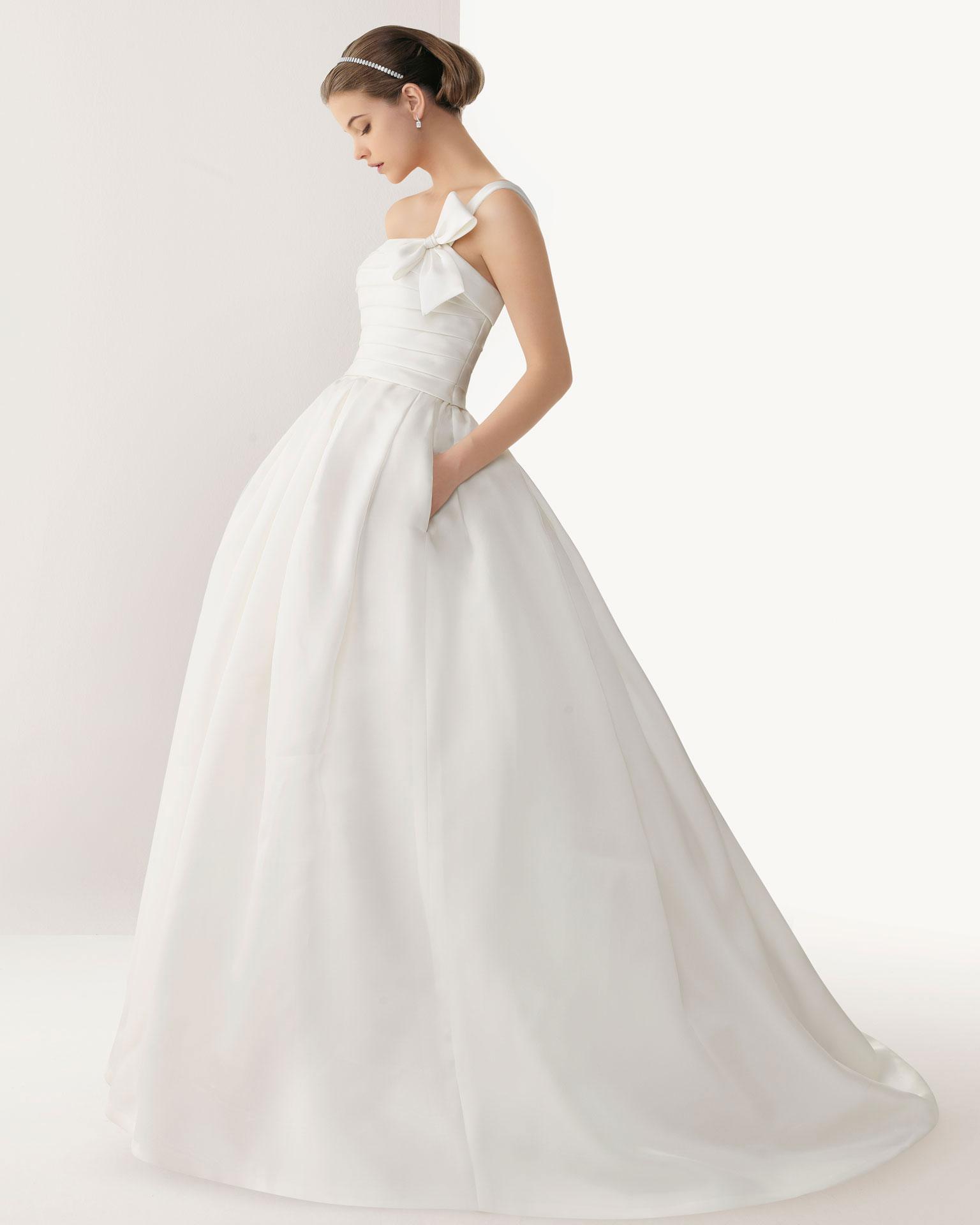 Elegantes langes Schleier verziertes Brautkleider