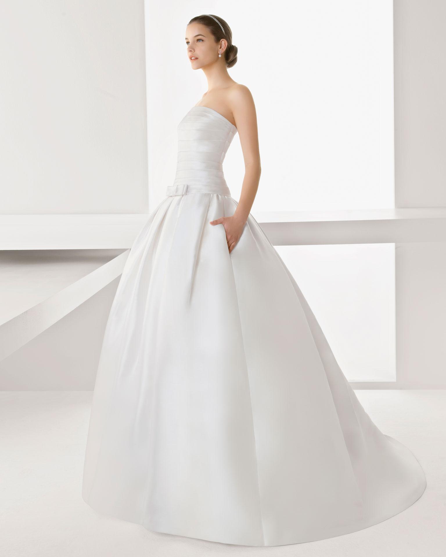 Modisches langes weißes Brautkleider