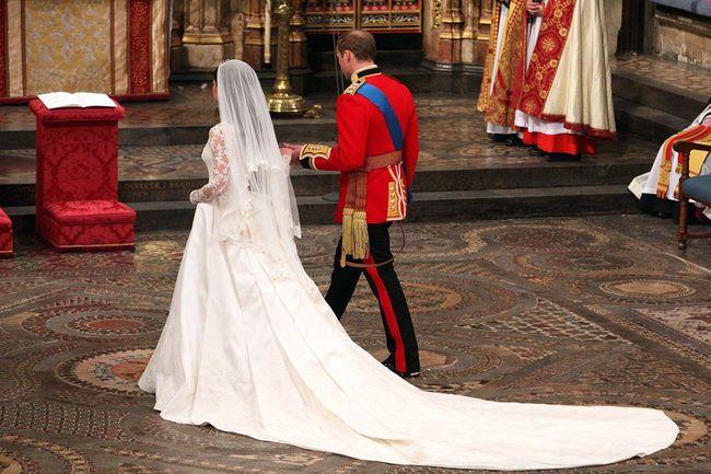 Elegantes Brautkleider mit Königlicher Schleppe