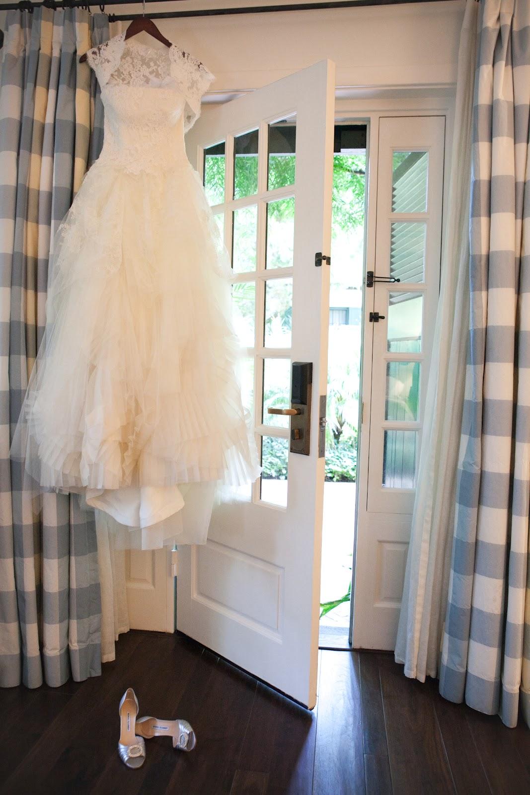 Wie man ein brautkleid reinigen persunkleid for Dry cleaning a wedding dress