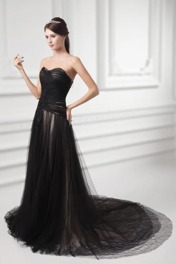 Schönes herz Ausschnitt schwarzes Brautkleid