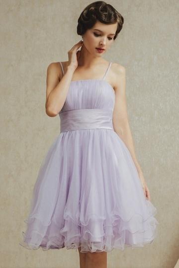 Elegantes kurzes lila Brautjungfernkleider