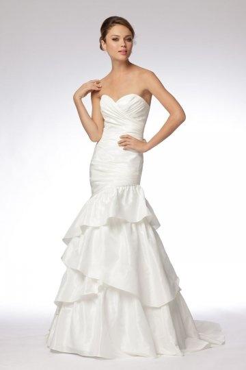 Schönes weißes Herz Ausschnitt Brautkleid