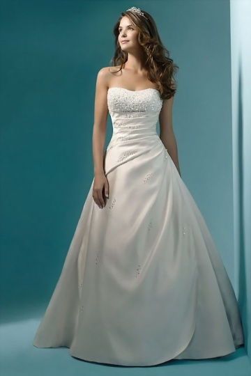Elegantes A Linie Brautkleid aus Satin