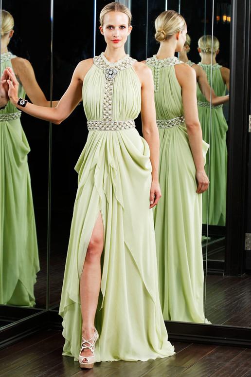 Schönes langes Brautjungfernkleid