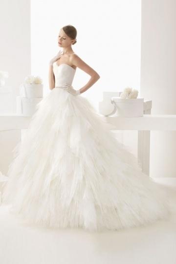 Schönes Weißes Brautkleid Online
