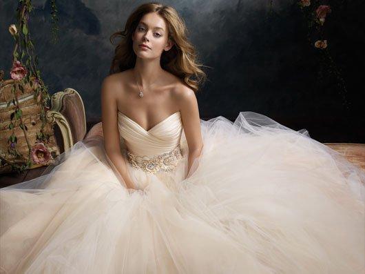 Schönes Herz Ausschnitt Brautkleider