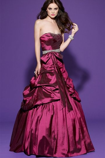 Schönes Langes Rotes Abendkleid