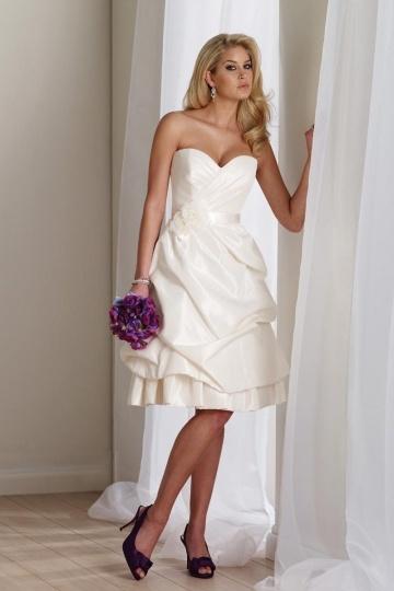 Schönes Knielanges Ivory Brautkleider