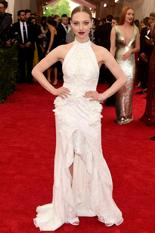 Met_Gala_2015_Red_Carpet_Fashion_Amanda_Seyfried