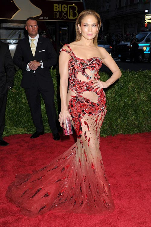Met_Gala_2015_Red_Carpet_Fashion_Jennifer_Lopez