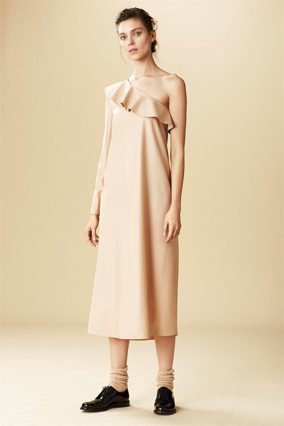 off-shoulder-dresses-fall-2015-trend-11