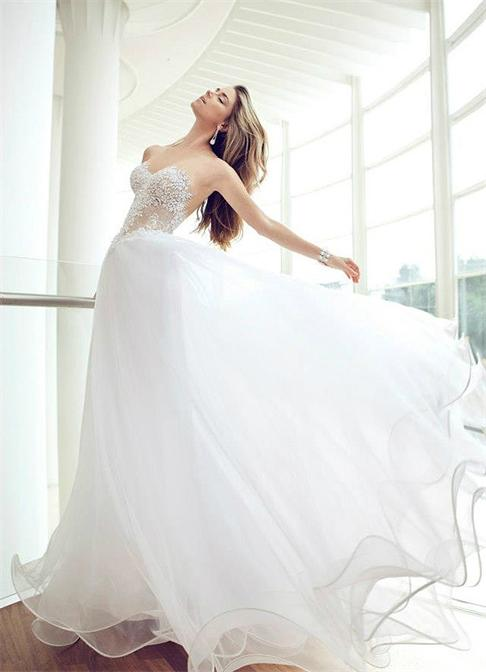 Nurit-Hens-white-tulle-perspective-wedding-dress