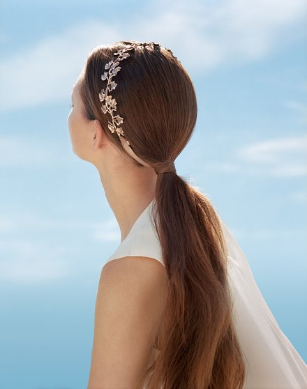 holding-wedding-hair-accessories