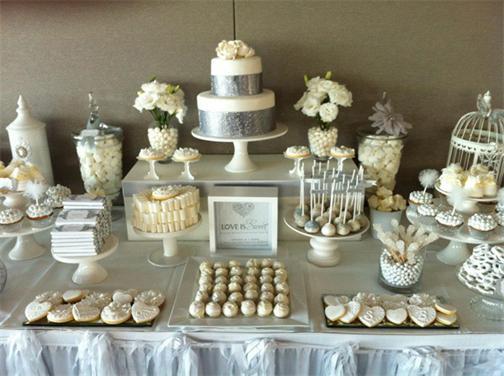 Weiß & Silber Farbgebung Hochzeit