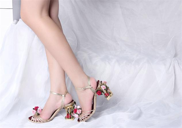 Amazing-beautiful-flowers-embellished-cage-heel-wedding-shoes-chic-elegant-ankle-buckle-strap-irregular-heel-flower