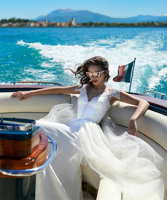 Modern-Brautkleid