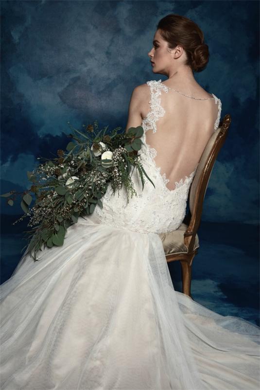 Elegant-Rückenfrei-Ivory-Spitze-Brautkleid
