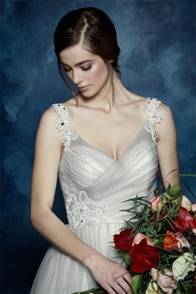 Tüll-Grau-Brautkleid
