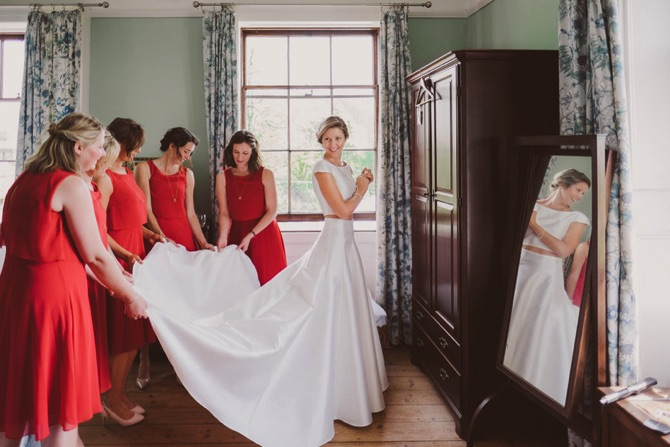 schön Brautkleid und Brautjungfernkleider